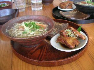 ソーキそば(中)・細麺