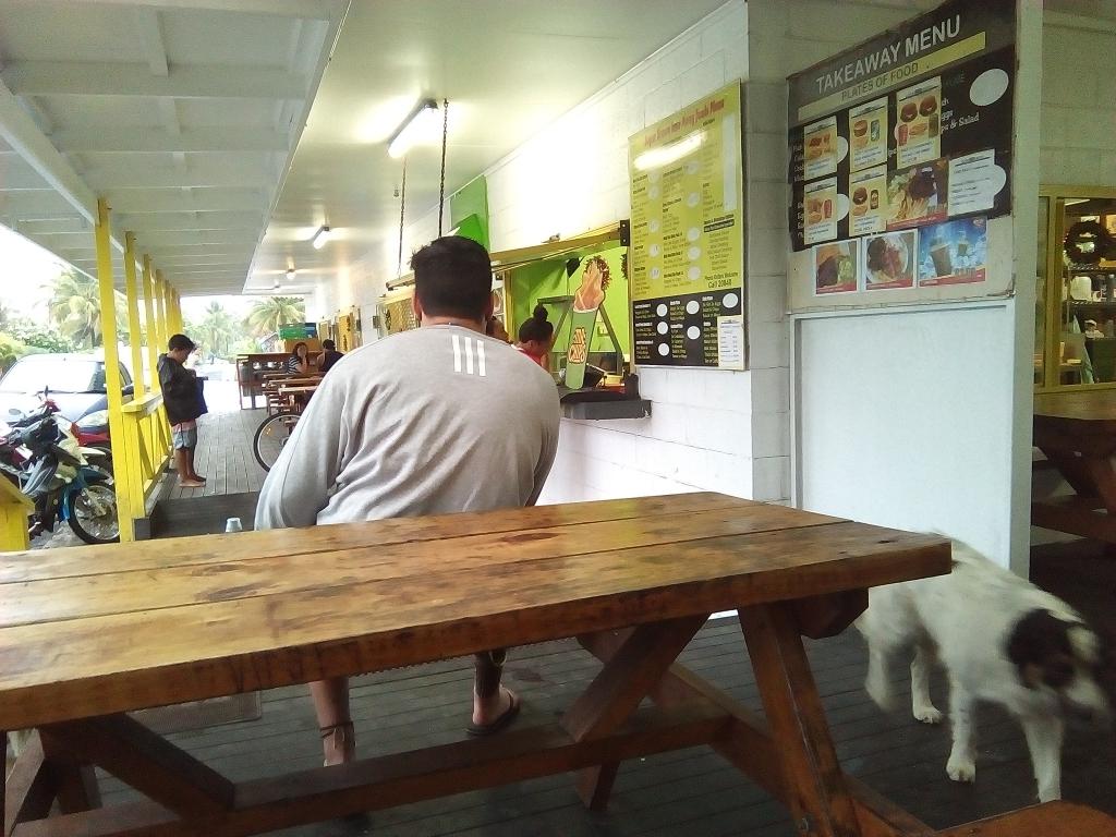 ラロトンガのハンバーガー屋