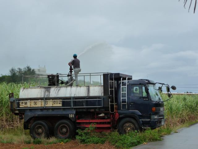 キビ畑への灌水