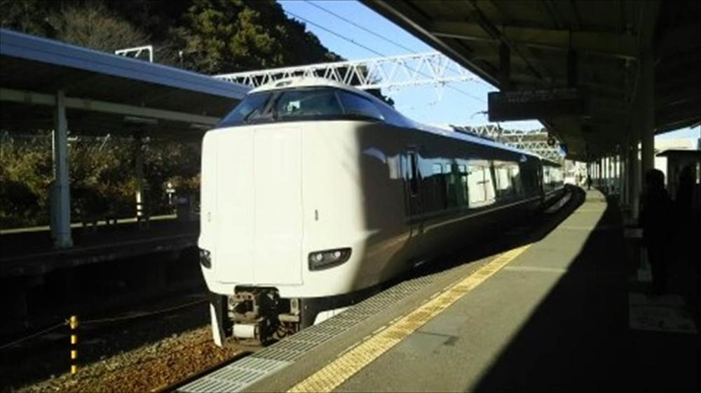 JR西日本 特急こうのとり2_R.jpg