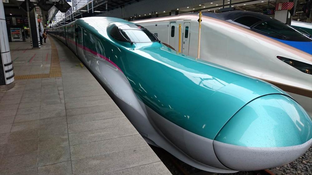 新幹線はやぶさ号�_R.JPG