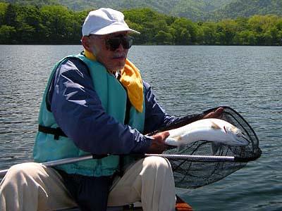 北海道の釣り_フィッシングガイドサービス_渓流から湖まで