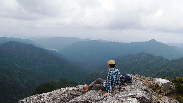 山上ヶ岳の日本岩の展望