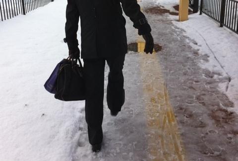 雪道用の滑らない革靴