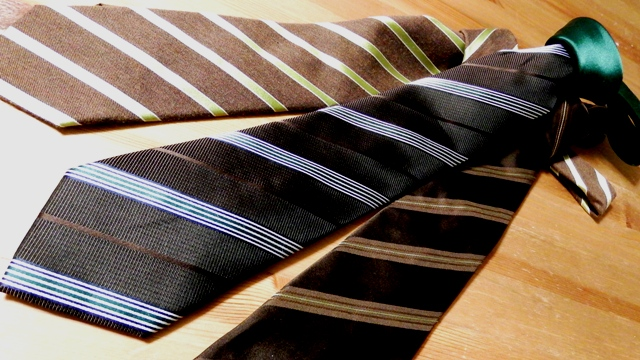 コーヒー色ブラウンのネクタイ