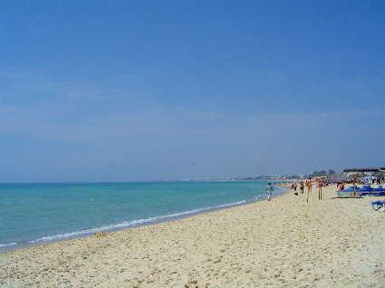 チュニジア、ハマメットの白い砂浜と蒼い海☆