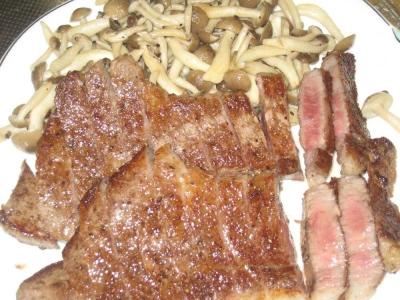 土佐赤牛のステーキ