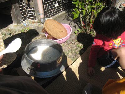 釜で焚いたご飯