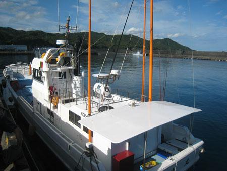 カツオ漁船