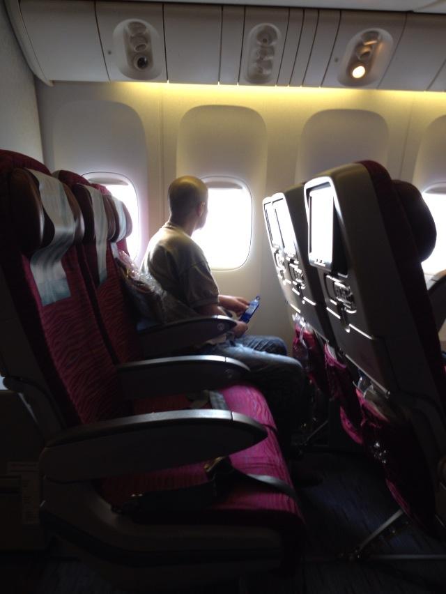 カタール航空エコノミーの機内