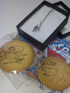 ペンダントとヤッターマンクッキー。