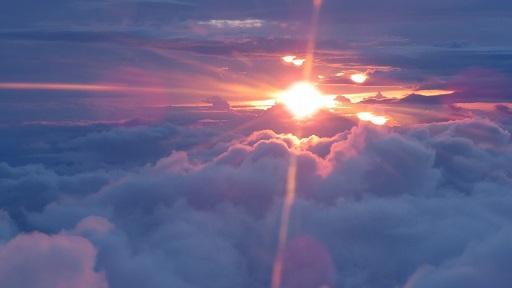 雲の上の夕陽