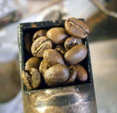 コーヒー生豆を焙煎