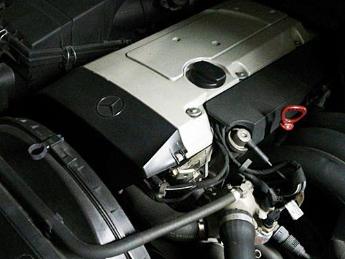 W140ベンツのエンジン