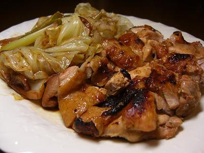 鶏と春キャベツの蒸し焼き ガラムマサラ風味