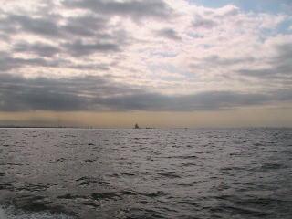 東京湾散骨 風の塔