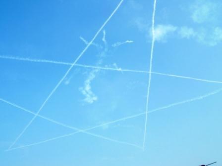 ブルーインパルスの描いた星
