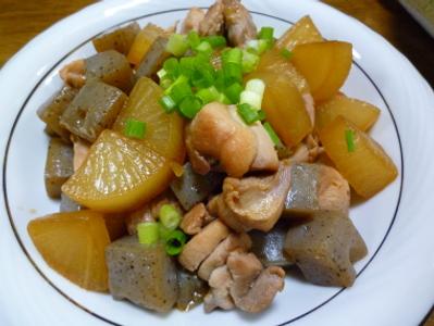 鶏と大根とコンニャク炒め