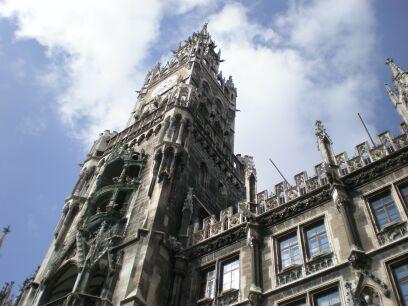 からくり時計で有名な市庁舎