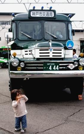 ボンネットバス3