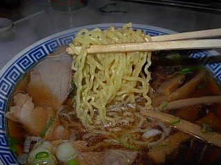 津軽もつけラーメンの麺