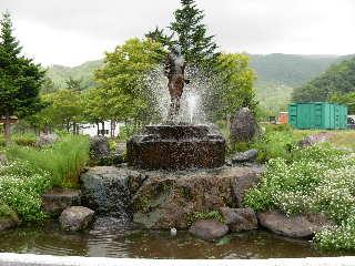 虹の湖公園銅像