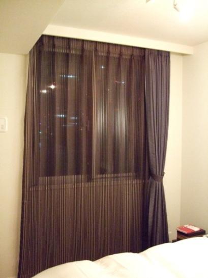 ベッドルームカーテン1