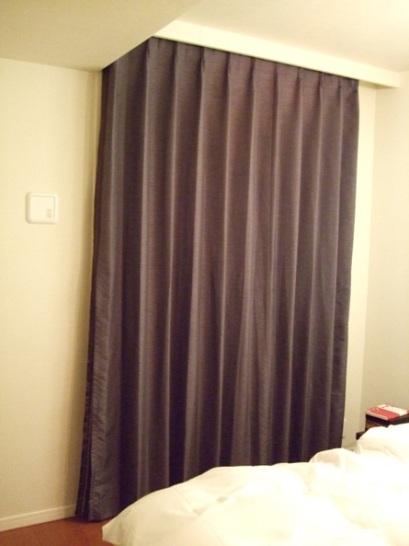 ベッドルームカーテン2