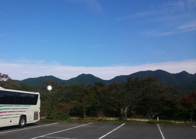 談山神社駐車場から音羽三山を望む