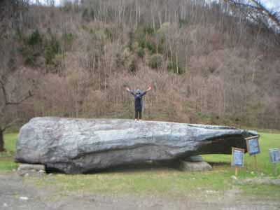 ちろろの巨石