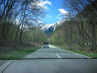 黒部への山道