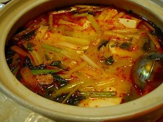 豆腐とわかめのピリから鍋