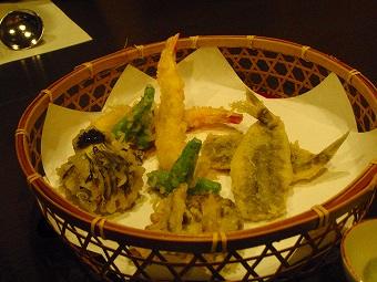 天ぷら揚げてくれます