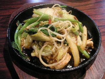 豚キムチ、キムチ味の野菜炒めでは?(笑)