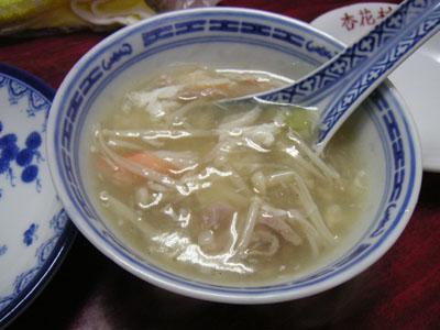 スープは注ぎ分けてもらいました。