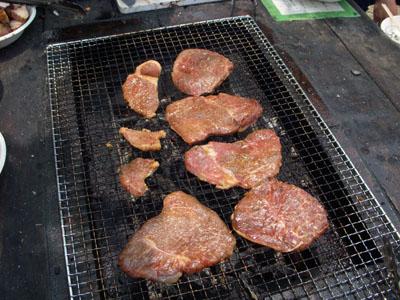 トウガラシはウデの肉