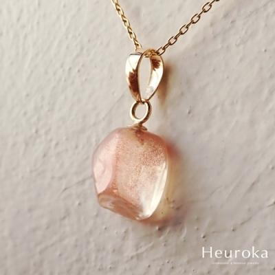 Heuroka オレゴン・サンストーンのネックレス