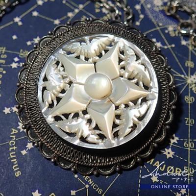 【 Andart 】Mother of Pearl / Necklase・ Brooch