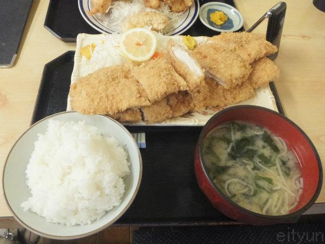 豚菜2015@チキンカツ~WM.jpg