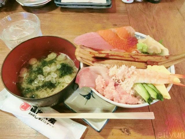 磯丸水産@こぼれ丼1~WM.jpg