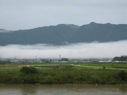 恵方道(耳納山にかかる雲)
