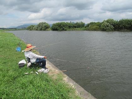 宝満川の釣り人