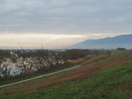 晩秋の筑後川と耳納連山
