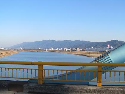 宮ノ陣橋から見た筑後川と耳納連山