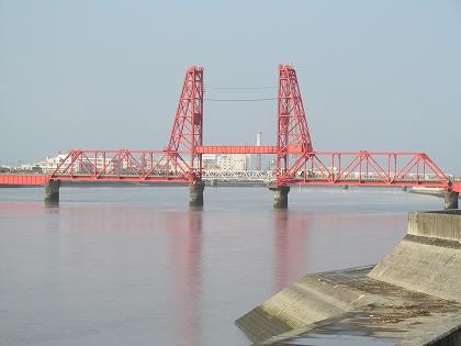 花宗水門から見た筑後川昇開橋
