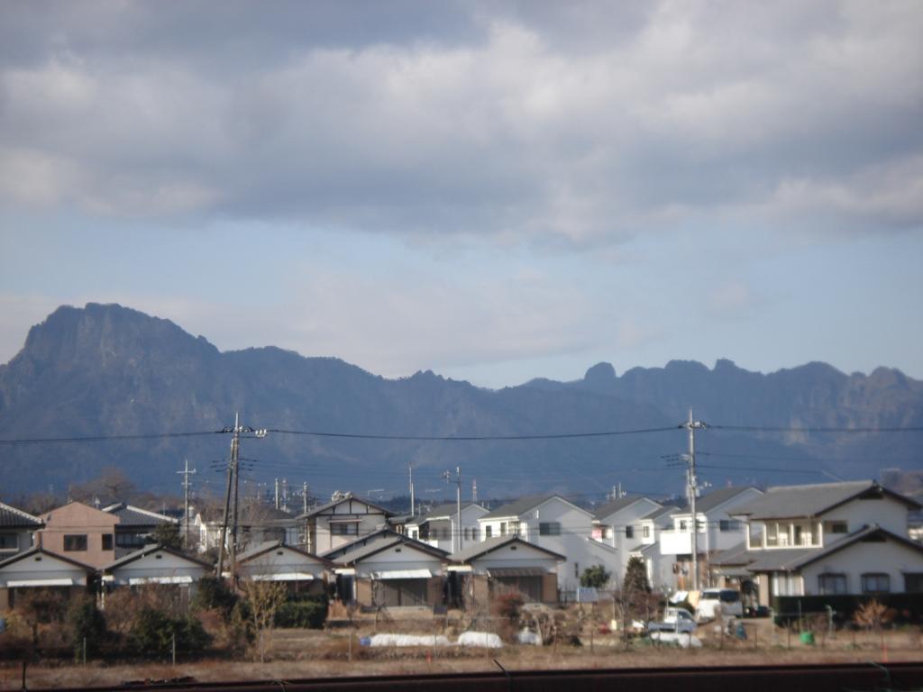 妙義山近づく