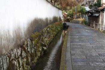 竹田の水と白壁