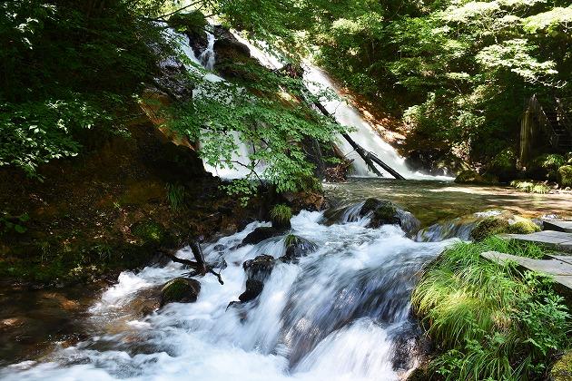 名水の滝(庄内町)