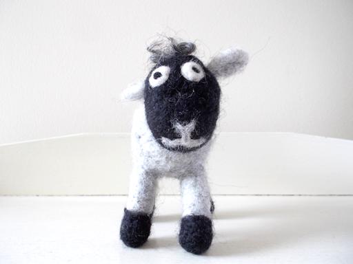 エストニア 羊毛フェルト ひつじ 羊
