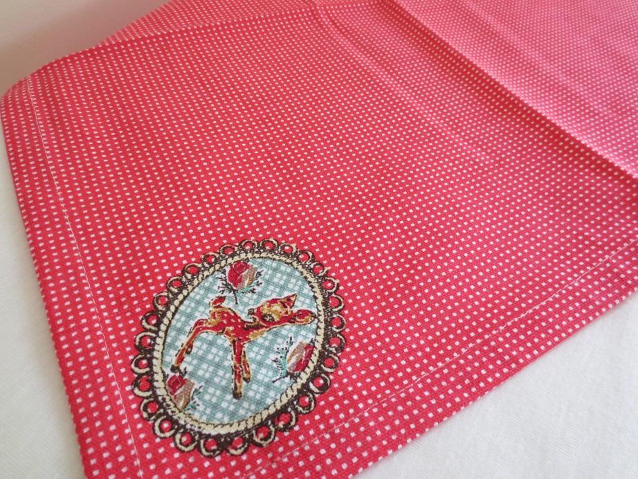 フランスのテキスタイル・ブランド、Safeco 社のバンビ 小鹿 テーブルナプキン